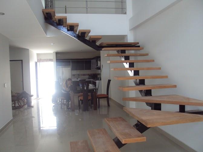Glassteel sistemas vidriados - Escaleras con peldanos de madera ...